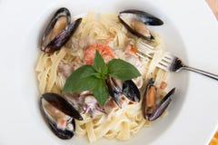 意大利面食用海鲜 免版税库存照片