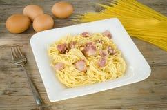 意大利面食alla carbonara 免版税库存照片