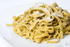 意大利面食pesto牌照白色 库存图片