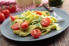 意大利面食pesto蕃茄 库存照片