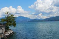 意大利风景laggo maggiore湖全景山 图库摄影