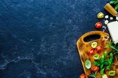 意大利食物背景 免版税图库摄影