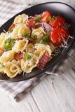 意大利食物:与熏火腿和巴马干酪特写镜头o的意大利式饺子 免版税库存图片