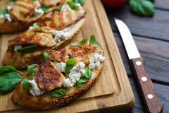 意大利餐馆菜单,食物背景 开胃bruschetta 免版税库存照片
