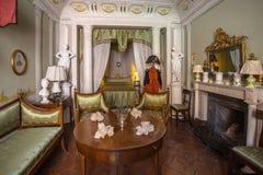 意大利,历史的托斯卡纳样式床室在一个博物馆在沃尔泰拉 免版税图库摄影