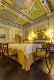 意大利,历史的托斯卡纳样式餐厅在一个博物馆在Volterr 库存照片