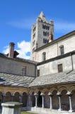 意大利,奥斯塔,教会的露台圣皮特圣徒・彼得和乌尔斯, 12世纪被修造 库存照片