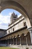 意大利,奥斯塔,教会的露台圣皮特圣徒・彼得和乌尔斯, 12世纪被修造 图库摄影