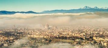 意大利,托斯卡纳,有雾的佛罗伦萨, 库存照片