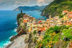意大利,欧洲的五乡地海岸的韦尔纳扎村庄 免版税库存图片