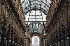 意大利,米兰- 2018年11月:玻璃天花板内部观点的维托里奥・埃曼努埃莱・迪・萨伏伊II 库存图片