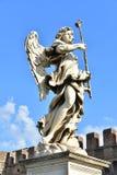 意大利,罗马, Castel Sant `安吉洛,天使雕象与海绵的 免版税库存照片