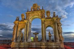 意大利,那不勒斯,在沿海岸区的02,01,2018个巨人喷泉Na的 免版税库存图片