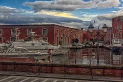 意大利,那不勒斯, 02,01,2018口岸那不勒斯,意大利在欧洲与 免版税库存照片