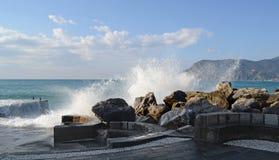 意大利,韦尔纳扎港口在五乡地 库存图片