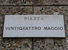 意大利:路信号5月二十四正方形 库存图片