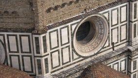 意大利 佛罗伦萨,大教堂圣玛丽亚del菲奥雷 结构上详细资料大梁玻璃购物中心被反射的购物 免版税库存图片