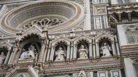 意大利 佛罗伦萨,大教堂圣玛丽亚del菲奥雷 结构上详细资料大梁玻璃购物中心被反射的购物 库存照片