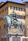 意大利 佛罗伦萨 Cosimo骑马雕象我de 'Medici,托斯卡纳俄国沙皇时代的太子 免版税图库摄影