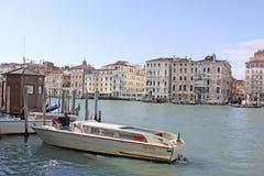 意大利 威尼斯 城市视图 小船 免版税库存照片