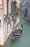 意大利 威尼斯 城市视图 长平底船 免版税库存图片