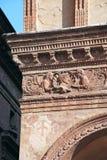 意大利建筑学,带状装饰在波隆纳 免版税图库摄影