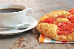 意大利素食薄饼和咖啡在意大利 免版税库存图片
