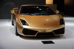 意大利Lamborghini gallardo lp 560-4金黄编辑 库存图片