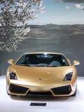 意大利Lamborghini gallardo lp 560-4金黄 免版税库存图片