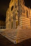意大利siena托斯卡纳 中央寺院大教堂在夜之前 免版税库存照片