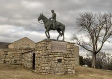 意志在马背上罗杰斯铜雕塑, Claremore,俄克拉何马 库存图片