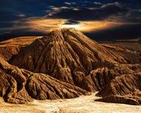 意想不到的沙漠山风景 库存照片