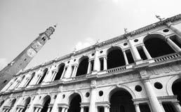 意想不到的白色palladian大教堂在威岑扎意大利 免版税库存照片