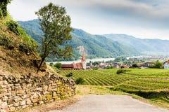 意想不到的看法到有镇的Weissenkirchen瓦豪里 免版税图库摄影