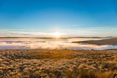 意想不到的看法在区国家公园的一个有雾和晴天 库存图片