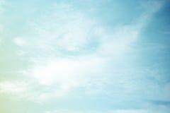 意想不到的软的云彩和天空抽象背景 免版税库存照片