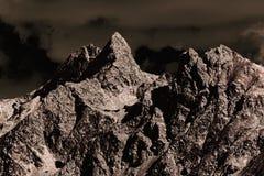 意想不到的colorized山看法在瑞士 免版税库存图片