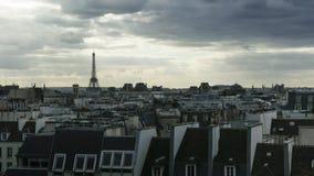 愚钝的多云天Timelapse在巴黎的 影视素材
