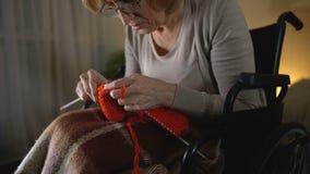 感到老编织的妇女绝望握手病症,绝望 股票录像