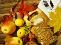 感恩天土耳其静物画烤了蔓越桔开胃菜 免版税库存图片
