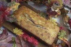 感恩膳食的香蕉面包大面包 免版税库存图片