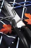 感恩雕刻器物的烘烤火鸡设置了-特写镜头 免版税库存照片