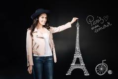 感觉情感的妇女激发,当访问巴黎时 库存图片
