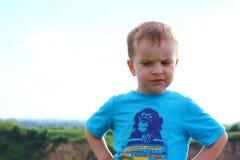 愤概的男孩 图库摄影