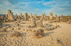 愿望圈子在身分的在保加利亚向自然公园扔石头 免版税库存图片