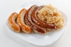 慕尼黑啤酒节食物香肠菜单、板材和德国泡菜 免版税库存图片