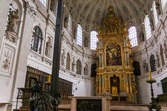 慕尼黑迈克尔Kathedrale内部白天美丽的德国曲拱 免版税库存图片