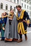 慕尼黑,巴伐利亚,德国- 2016年3月13日:衣裳的人们  库存照片