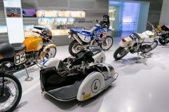 慕尼黑,德国- 2016年3月10日:在BMW博物馆的经典摩托车和鞭痕在慕尼黑 库存照片