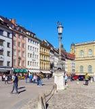 慕尼黑,德国- 2017年10月14日:在t的繁忙的行人交通 图库摄影